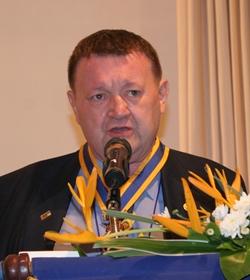President Graham hunt-Crowley delivers his address.