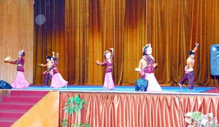 Malaysian dancers.
