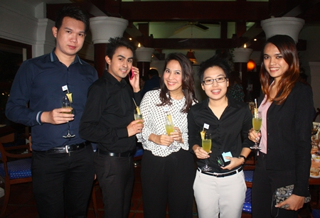 (L-R) Peerawit Roekpanee, Sales Manager, Atakarn Tragulmalee, Sales Executive, Praepan Wallisuta, Asst Director of Sales, Pitchayada Pitipattarajinda, Sales Executive and Yuwadee Prohkhuntod, Sales Manager of Holiday Inn Pattaya.