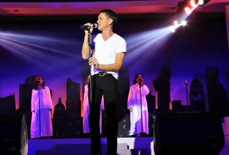 Krissada and Chorus - Jesus Christ Super Star.