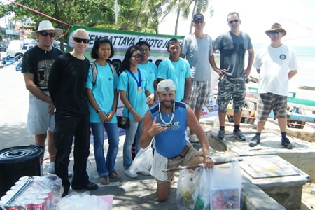 Green Pattaya, Rotary Interact Club from Banglamung School and Koto joined forces to clean up Jomtien Beach Saturday 3 August.
