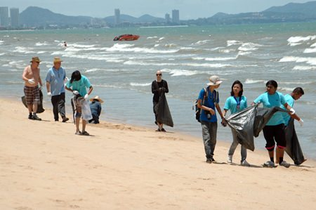 The Green Pattaya cleaning crew tackled Jomtien Beach earlier this month.