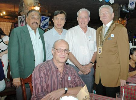 (L to R) Peter Malhotra, MD of Pattaya Mail Media Group, Pichai Visutriratana, director of Worldwide Destinations Asia, Dr. Iain Corness, Pattaya Mail Media Group, Andrew J. Wood, President of Skål Thailand and Philippe Delaloye (seated).