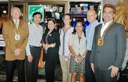 (L to R) Andrew J. Wood, President of Skål International Thailand, Pichai Visutriratana, director of Worldwide Destinations Asia, Wassana Pokthang, EAM Centara Grand Pratamnak, Patricia Cawpos Salaberri, Senior Aquarist Centara Grand Pratamnak, Jarunee Srikaew, Executive Secretary Centara Grand Pratamnak, Dominique Rongé, GM of Centara Grand Pratamnak and Tony Malhotra President of Skål International Pattaya and East Thailand.