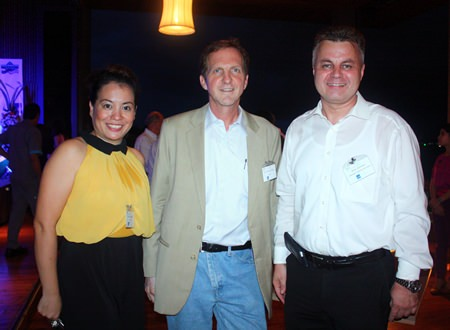 (L to R) Dao Makkiti, Event Manager and Marketing Advisor, ADB Southeast Asia Energy Efficiency Project, Dr. Peter du Pont, Vice President, Government & Clean Energy Consulting of Nexant Asia Limited and Arno Zimmer, from Intertek Testing Service (Thailand) Ltd.
