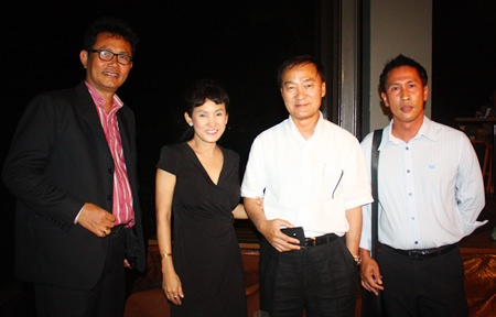 (L to R) Suchart Suksawad, Beverage Manager, Royal Cliff Hotels Group; Patt Srinoi, Managing Director, Anirut Posakrisna, Chairman and Sarawut Jansangiam, Group General Manager, Wine Dee Dee Co., Ltd.