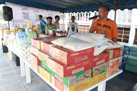 Sattahip officials have collected donated food and other emergency supplies to distribute to flood victims.