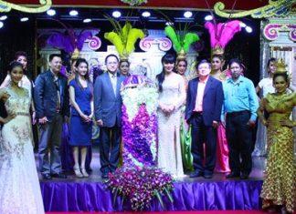 Deputy Mayor Verawat Khakhay, along with Auttaphol Wannakij, director of the TAT Pattaya Office and Jirachot Kawsathian, Mimosa Director announce the upcoming contest.