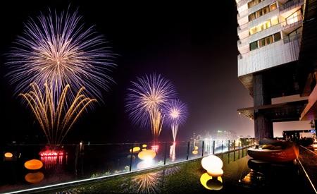 Enjoy a great vantage point for the Pattaya International Fireworks Festival at Hilton Pattaya.