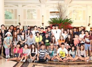 Dusit Thani Pattaya sales and operations executives recently welcomed students from Shin Hueng University in Korea who visited Pattaya hotels as part of the familiarization program aimed at providing them the opportunity to experience first-hand the hotel and tourism business in the city. The trip organizers said that through the inspection, the students will be able to share the experience when they go back to Korea as well as gain knowledge and information related to their future career in hotel and travel businesses.