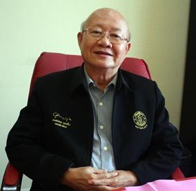 Deputy Mayor Wattana Chantanawaranon has been leading the city's crusade to phase out Styrofoam krathongs.