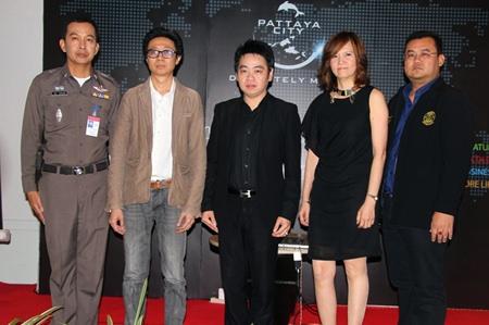 "(L to R) Pol. Col Anaek Srathongyu, Wasan Sriburanasorn, Rattanachai Suthidechanai, Bundarik Kusolvitya and Glit Jeeramongkol are spearheading ""Pattaya's New Look""."