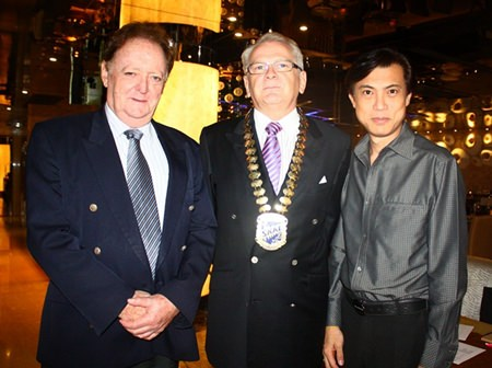 (L to R) Allan Riddell, Director of the South African Chamber of Commerce, Andrew Wood, President of Skål International Thailand, and Pichai Visutriratana, Director of Worldwide Destinations Asia.