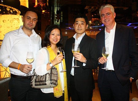 (L to R) Pullman Pattaya Hotel G's EAM Dimitri Chernyshev and Caroline Shen, Director of Sales-Corporate & MICE with Tomo Kuriyama, GM of Sheraton Pattaya and Brendan Daly, GM of Amari Orchid Pattaya.