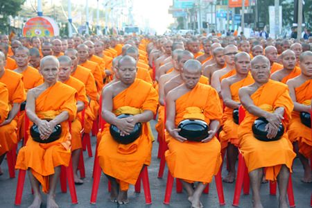 North Pattaya Road was once again awash in saffron as 2600 monks gathered to collect alms to support their less-fortunate brethren as part of a nationwide drive by a million monks to provide relief to 323 embattled Buddhist temples in Thailand's Muslim-dominated south.