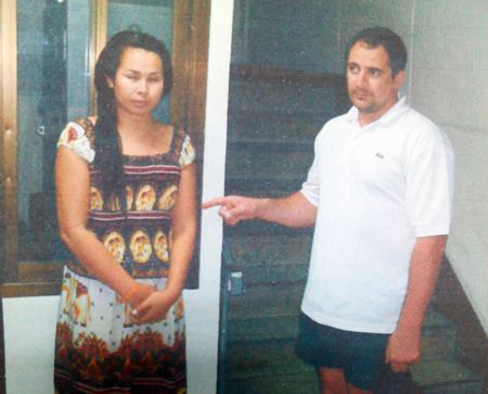 Evengy Gerasimenko (right) identifies Kiattisak Phaphakdee (left) as the transvestite that drugged and robbed him.