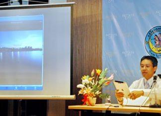 Project director Theeradet Juladung demonstrates the geo-informatics of Pattaya City Guide.
