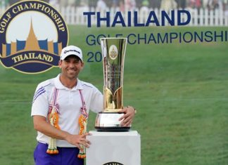 Spain's Sergio Garcia poses with the Thailand Golf Championship trophy following his victory at Amata Spring Country Club in Chonburi, Sunday, Dec. 15. (Photo/Colin Dunjohn, Thailand Golf Champonship)