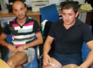 Oleg Sveatobog (left) and Vasile Dodon (right) have been arrested for allegedly using counterfeit electronic cards to rob Pattaya ATMs.