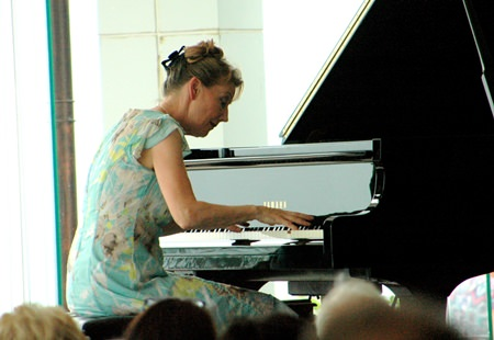 Regina Albrink gave a mezmeriziong performance of Schubert and Chopin masterpieces at the Feb. 20 concert.