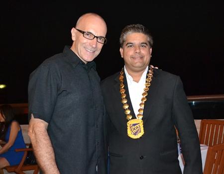 Robert John Lorhmann (left), GM of Centara  Grand Mirage Beach Resort Pattaya chats with Tony Malhotra, President of Skål Pattaya and East Thailand.