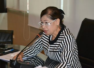 Jintana Maensurin, director of the Pattaya Education Department, solicits plans to outline projects and budgets for a three-year plan.