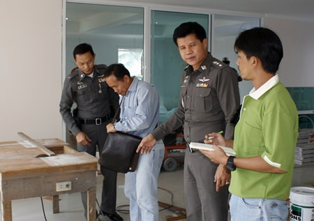 Pol. Col Supachai Puikaewkam (2nd left) is spending his own money to upgrade Pattaya Police Station.