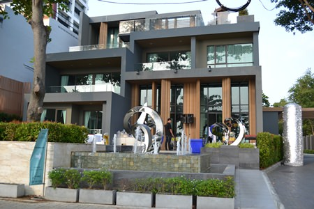 The Aeras Condominium showroom is now open on soi 17-18 Jomtien Beach Road.