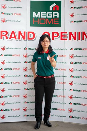 Supornsri Naktanasukan welcomes customers to the grand opening of Mega Home's Bowin store on April 24.