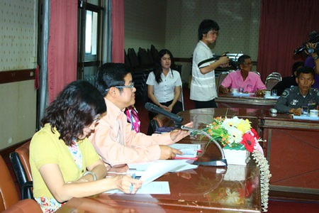 Deputy Mayor Verawat Khakhay and area tourism officials put the finishing touches on plans for the April 13 parade from the wooden temple in Naklua at an April 1 meeting.