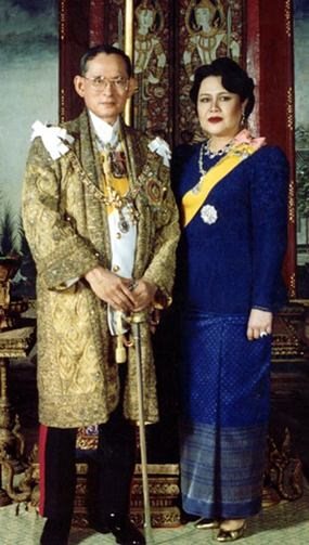 His Majesty King Bhumibol Adulyadej the Great and Her Majesty Queen Sirikit celebrate Their 64th wedding anniversary on Monday, April 28. (Photo courtesy of the Bureau of the Royal Household)