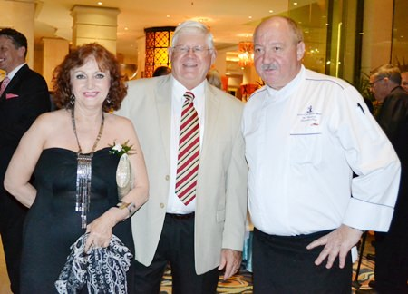 (L to R) Elfi Seitz, Executive Editor of Pattaya Blatt; David Anderson, Member of Pattaya City Expat Club, and Walter Thenisch, Executive Chef at Royal Cliff Hotels Group.