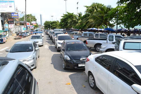 With holidays comes traffic in and around Pattaya.