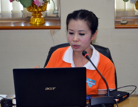 YWCA Chairwoman Praichit Jetpai announces the YWCA Bangkok-Pattaya Center's Walk-Run 2014 will take place June 21 on Pattaya Beach.
