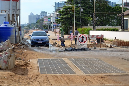 During construction, the roads in places will be narrow.