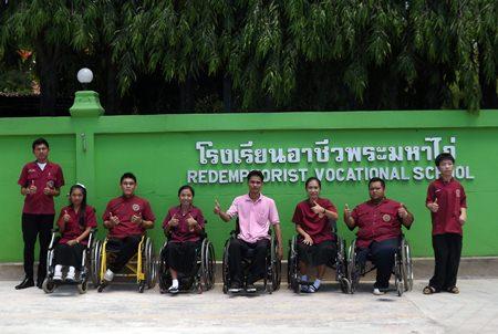 Teachers and students from Redemptorist School thanking Pattaya City.