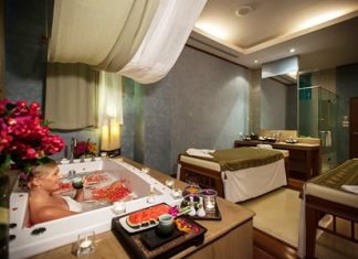 The spa features 5 double bed rooms with Jacuzzi bathtubs.