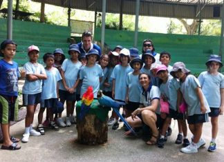 Students got close to the animals during their zoo trip.