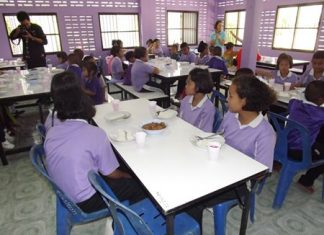 Thanks to the Hard Rock Pattaya, children at Huay Yai's Baan Nok School now have a nice new place to eat lunch.