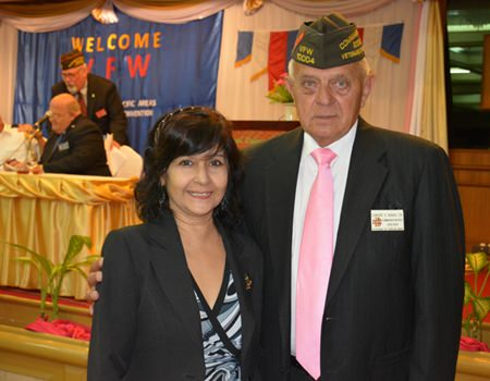 Sue Kukarja, Director of Communications for PMTV greets Edwards Banas, Past National Commander in Chief, VFW of the United States of America.