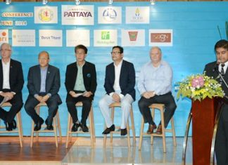 Tony Malhotra (Pattaya Mail & Skål) introduces members the NPA (l-R) Brendan Daly (Amari Pattaya), Chatchawal Supachayanont (Dusit Thani Pattaya), Poramet Amatyakul, Director of the TAT Thailand, Puripan Bunnag, Director of the Domestic MICE Department and Bob James, MD of Sheerbravado Design & Marketing.