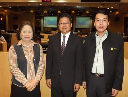 (L to R) Chonburi Justice Tueanjai Chareonpong from the Chonburi Justice office; Sarawuth Benjakul, deputy secretary of the justice office, and Pairoj Tinchatarak, head of the justice and legal group.