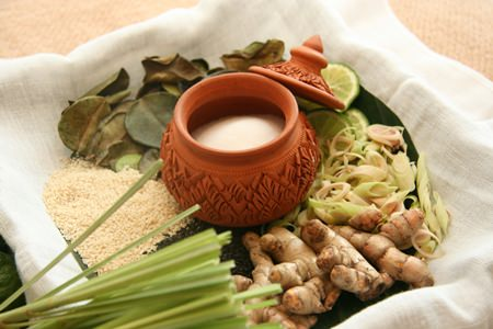 The Salt Pot treatment is a traditional Thai therapy that provides many health benefits to the body.