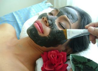 A secret recipe of Thai herbs used in the facial treatment can leave the skin feeling soft and glowing.