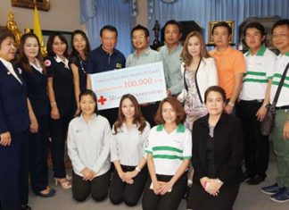 K-SME Co., led by Wutthichai Peewthong and Aphisit Litiwanon, raised 260,000 baht pouring cold water over their heads and donated 100,000 baht of this to the Banglamung Red Cross.
