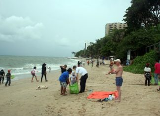 Children from the Human Help Network Foundation Thailand and 10 volunteers turned out on October 20 to clean Cosy Beach.