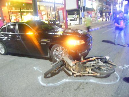An overzealous civil-defense volunteer is being blamed for this motorbike accident on Sukhumvit Road.