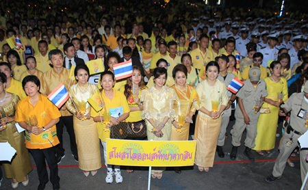 The Lions Club of Pattaya-Taksin was one of many clubs and organizations to participate in the commemoration.