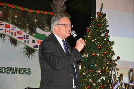 Australian Ambassador H.E. Paul Robilliard greets the guests.