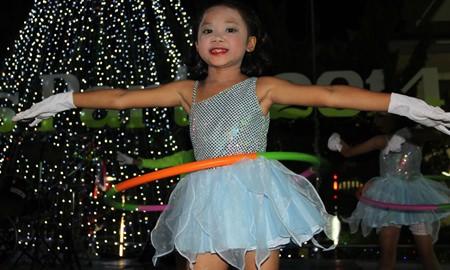 Hula-hooping, a Christmas tradition.